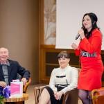 d-na Mihaela Nistorică prezentând autoarea cărții.